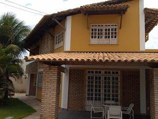 Casa ventilada e bem localizada, próximo á Orla de Atalaia e ao Shopping Riomar!