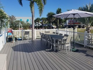 NEW LISTING! Cozy Cocoa Beach getaway w/furnished patio -short walk to the shore