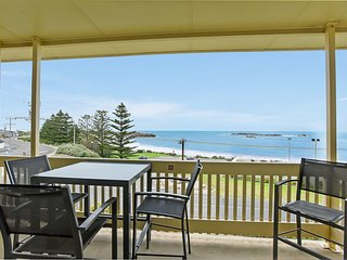 Dolphins Beachfront Apartment no 7 + WIFI - Port Elliot - A View to Remember