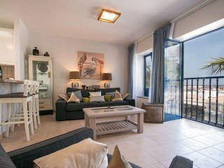 Stylish apartment in Puerto Calero with marina & sea views