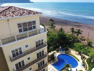 Luxury beachfront apartment A406