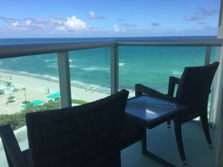 RIGHT ON THE BEACH-Direct Oceanview Luxury 2 Bed/2Bath Condo in the Tides Resort