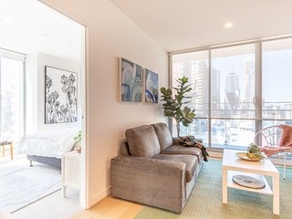 Stylish city views CBD 2 bed 2 bath