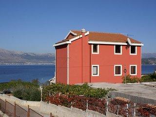 One bedroom apartment Slatine (Ciovo) (A-1128-a)