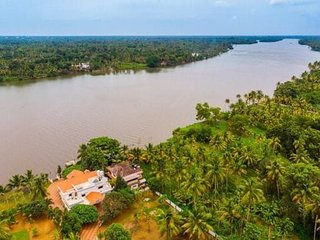 Manjaly Backwater Resort