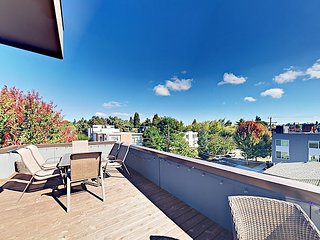 2BR w/ Rooftop Deck & City View in Highly Walkable Location