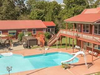 Morning Star Ranch-Main House- Sleeps 7-Pool/Heated Spa- 25 miles from Nashville
