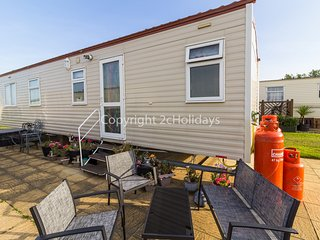 6 berth caravan near park amenities with C/H & D/G at Broadland Sands. REF 20144