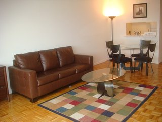 29J-UWS SPACIOUS STUDIO WITH POOL & GARAGE!