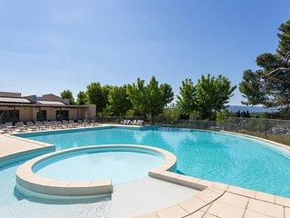 2 bedroom Apartment in Saumane-de-Vaucluse, France - 5443365