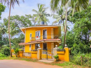 Comfy Room For Family Stay,Situated 1.6 km From Calangute Beach