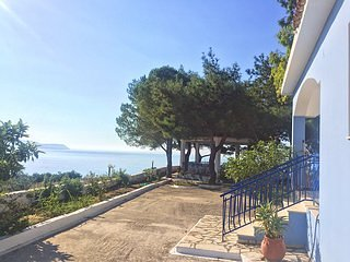 2 bedroom bungalows Kefalonia:located on spacious territory with great sea view
