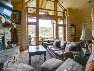 Eagles Nest Cabin (4BR) - WC 37