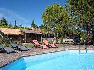 LA BONNE ETOILE - WOODEN CHALET WITH HEATED POOL AND GREAT VIEWS