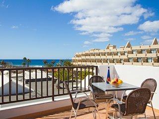 Playa Honda Villa Sleeps 8 with Pool - 5675865