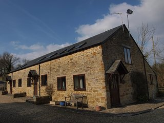 5 Self Catering holiday cottages in quiet coiuntryside. Japanese food available