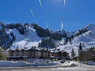 Squaw Valley Ski Condo