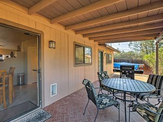 Peaceful Home w/ Grill & Patio, 1 Mi to Red Rocks!