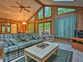 NEW! Secluded Creekside Cabin in Gouldsboro!