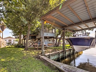 NEW! Canalfront San Leon Apt -By Kemah & Galveston