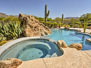 Cave Creek Oasis w/ Putting Green, Spa & Mtn View!