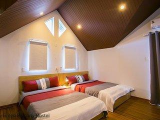 Family Bedroom 1 - 2 Facade Villa Hostel Near the My Khe Beach, Green Balcony