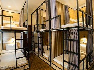 Dormitory Bedroom 2 - 2 Facade Villa Hostel Near the My Khe Beach, Green Balcony
