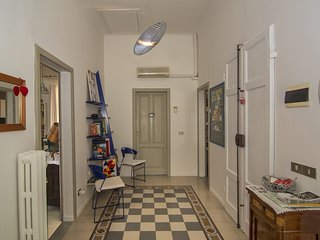 Pisa Apartment Sleeps 9 with Air Con and WiFi - 5682574