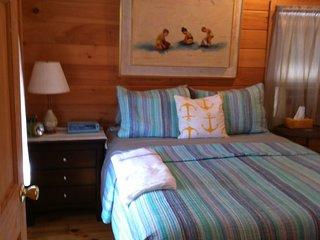 bedroom (alternate bedspread)