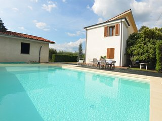 3 bedroom Villa in Marlia, Tuscany, Italy - 5681374