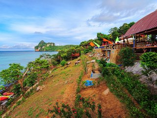 Backpacker Budget Phi Phi Accommodation!