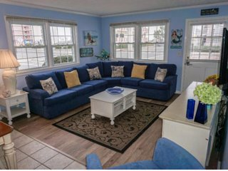 30th St 2nd Floor Great Location 400 feet to the Beach