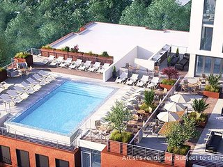 DOWNTOWN Austin with ROOFTOP Pool and BBQ Area, Fire Pit even a fitness center