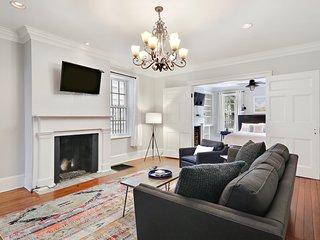 East Liberty Street Inn - Garden Level Suite