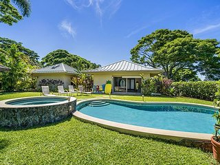 Luxury Villa Estate with Pool, Hottub & Oceanview!