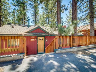 Cozy home w/ private hot tub, mountain & lake views - dogs are welcome, too!