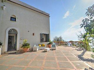 Amalfi Holiday Home Sleeps 10 with Air Con and WiFi - 5228473