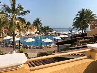 Tesoro Villa 18 Beach Resort Condo 3BR 3BA