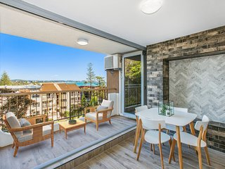 Kirra Gardens 15 - Kirra Point Beachfront - 3 night stays!