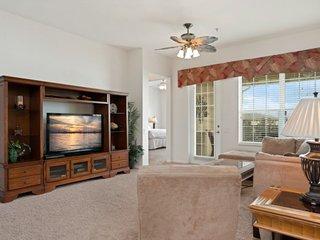 4804CA-402. Lavish Penthouse 3 Bedroom Vista Cay Condo