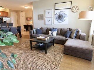 5024SL-306. Stunning 3 Bedroom 2 Bath Vista Cay Condo
