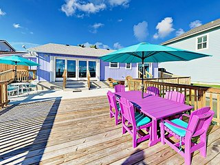 "NEW ""The Palms"" Lakefront Dream! Island-Style 3BR w/ Deck & Private Pier"