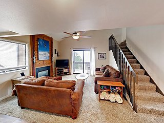 Luxe 2BR Condo w/ Resort Amenities – Recently Upgraded, Magnificent Views