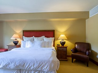 Lodge King Hotel Room 308 | Tamarack Resort