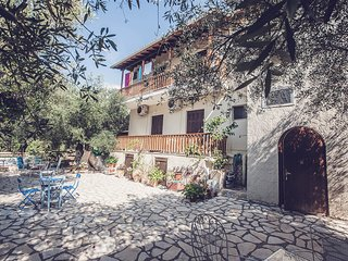 Afroditi Pansion | Apartments, Studios, Rooms Agios Nikitas Lefkada