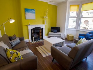 VICTORIA 24: REFURBISHED APARTMENT ... CLOSE TO LLANDUDNO SEA FRONT
