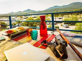 Studio Charmant sur le port avec Cuisine et Terrasse/Balcon