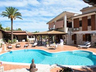 4 bedroom Villa in Case Fiordilino, Sicily, Italy : ref 5682476