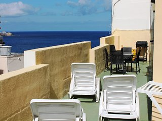 Sliema Apartment Sleeps 8 with Air Con and Free WiFi - 5711481