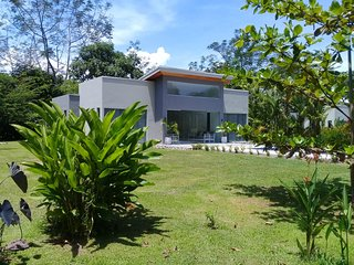 New Modern House (1) with private swimming pool